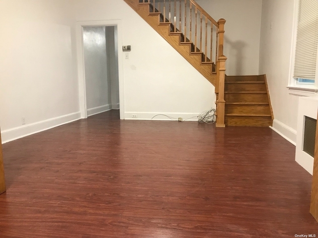 2 Bedrooms, Great Neck Rental in Long Island, NY for $2,800 - Photo 1