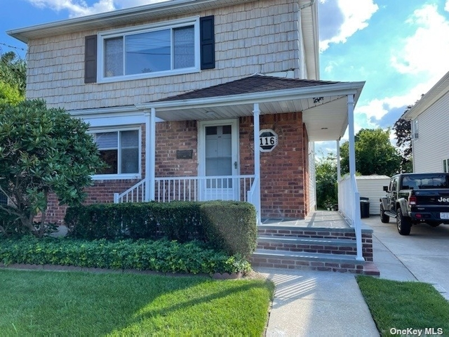 2 Bedrooms, Hewlett Rental in Long Island, NY for $2,800 - Photo 1