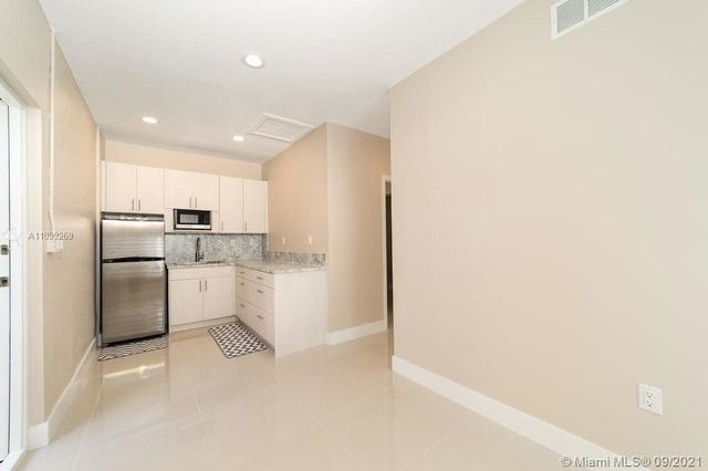 1 Bedroom, Christina Estates Rental in Miami, FL for $1,400 - Photo 1