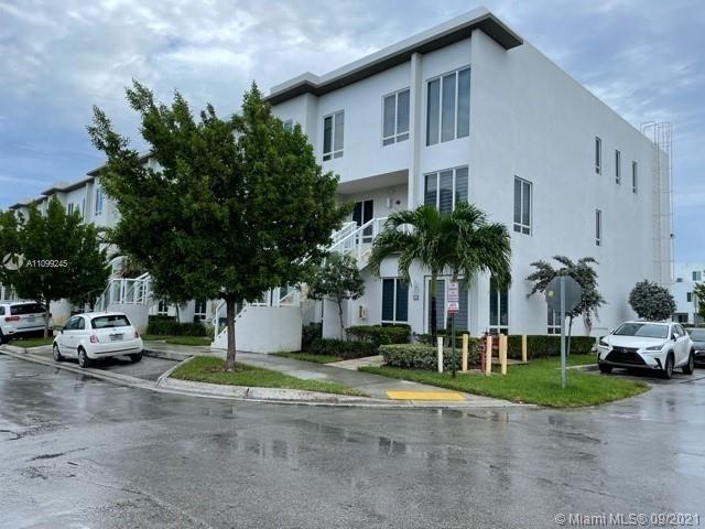 3 Bedrooms, Doral Rental in Miami, FL for $2,950 - Photo 1