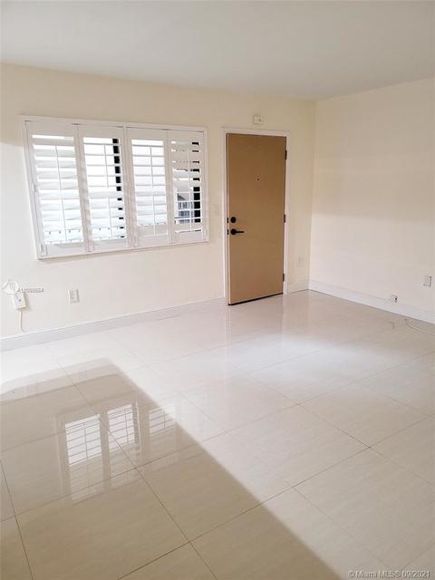 2 Bedrooms, Northeast Coconut Grove Rental in Miami, FL for $1,950 - Photo 1
