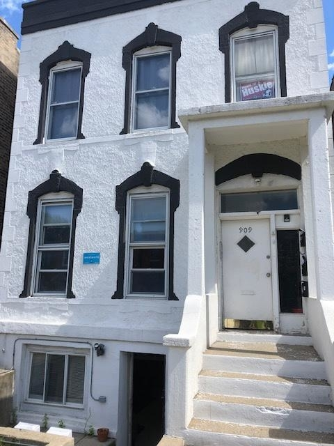 3 Bedrooms, Tri-Taylor Rental in Chicago, IL for $1,150 - Photo 1