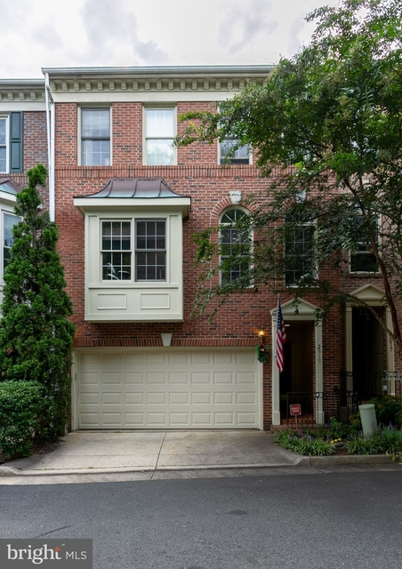 3 Bedrooms, Stonegate Park Rental in Washington, DC for $3,500 - Photo 1