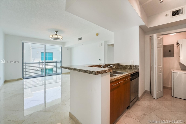 1 Bedroom, South Pointe Rental in Miami, FL for $3,000 - Photo 1