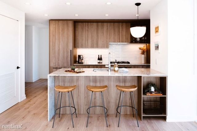 2 Bedrooms, River North Rental in Chicago, IL for $4,390 - Photo 1