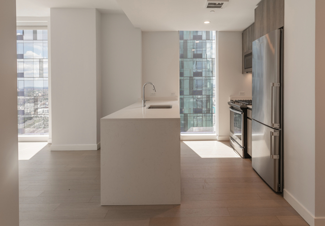 3 Bedrooms, Long Island City Rental in NYC for $7,450 - Photo 1