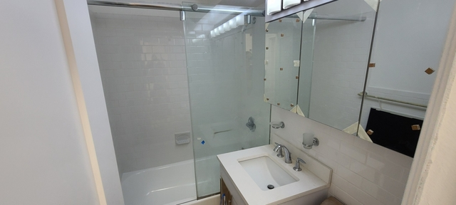 Studio, Sutton Place Rental in NYC for $3,950 - Photo 1