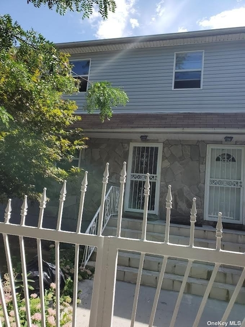 3 Bedrooms, St. Albans Rental in Long Island, NY for $2,500 - Photo 1