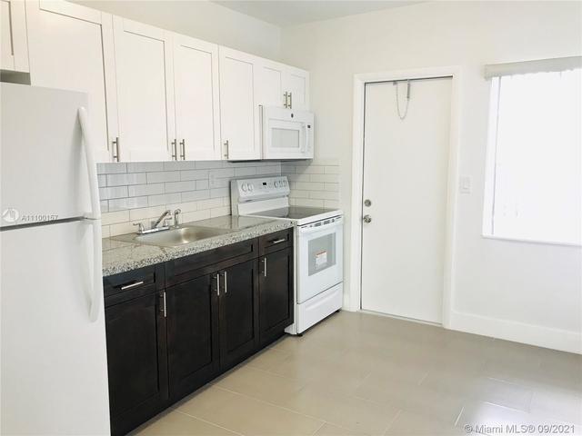2 Bedrooms, Buena Vista Gardens Rental in Miami, FL for $1,800 - Photo 1