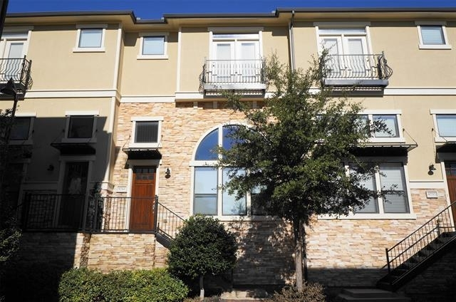 2 Bedrooms, The Town Homes at Legacy Town Center South Rental in Dallas for $2,750 - Photo 1