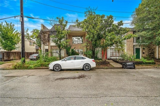 2 Bedrooms, Neartown - Montrose Rental in Houston for $2,600 - Photo 1