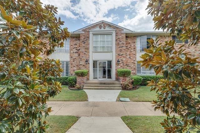 3 Bedrooms, Northeast Dallas Rental in Dallas for $2,499 - Photo 1