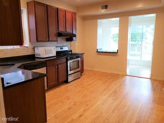 2 Bedrooms, Roscoe Village Rental in Chicago, IL for $1,700 - Photo 1