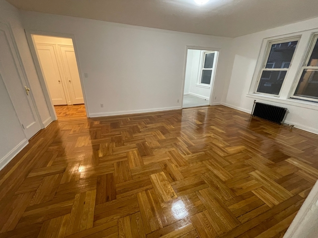 2 Bedrooms, Downtown Flushing Rental in NYC for $1,995 - Photo 1