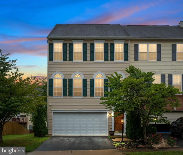 3 Bedrooms, Rippon Landing Rental in Washington, DC for $2,650 - Photo 1