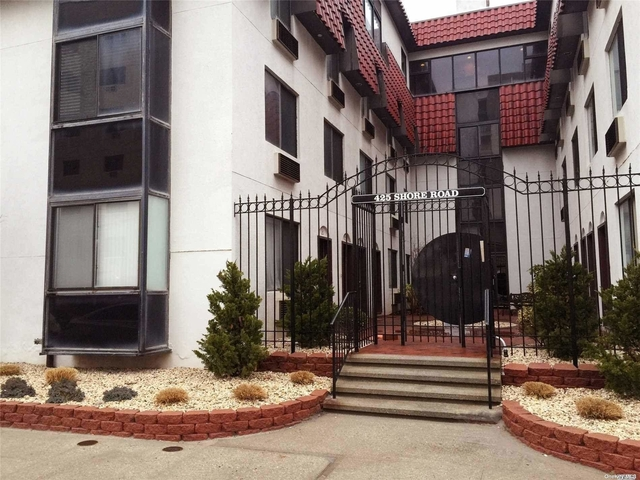 2 Bedrooms, East End South Rental in Long Island, NY for $3,000 - Photo 1
