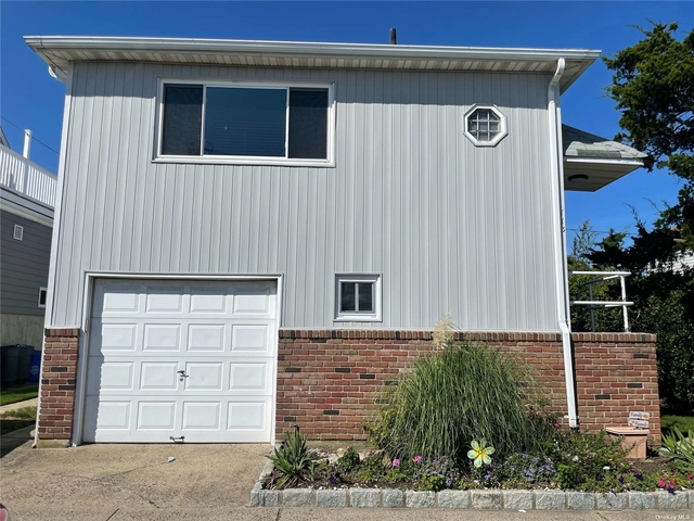 3 Bedrooms, Presidents Streets Rental in Long Island, NY for $3,400 - Photo 1