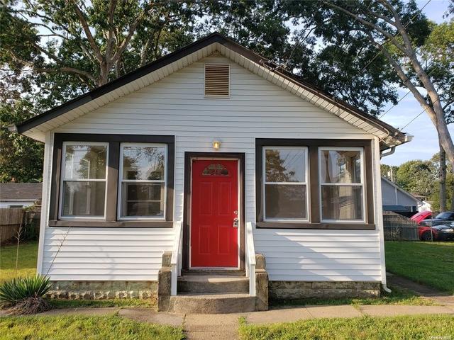 2 Bedrooms, Lake Ronkonkoma Rental in Long Island, NY for $2,600 - Photo 1