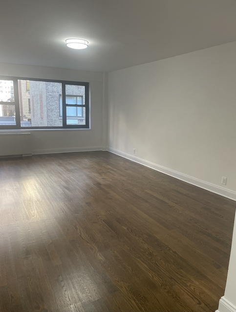 Studio, Sutton Place Rental in NYC for $2,700 - Photo 1