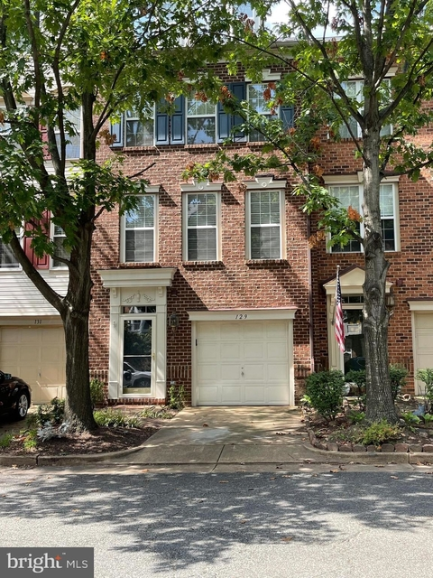 3 Bedrooms, Cameron Station Rental in Washington, DC for $3,470 - Photo 1