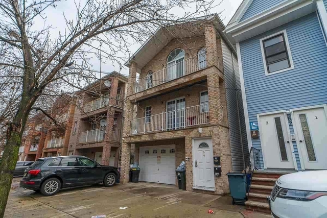 3 Bedrooms, Bergen - Lafayette Rental in NYC for $2,000 - Photo 1