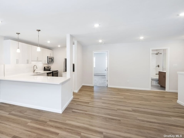 1 Bedroom, Oyster Bay Rental in Long Island, NY for $3,450 - Photo 1