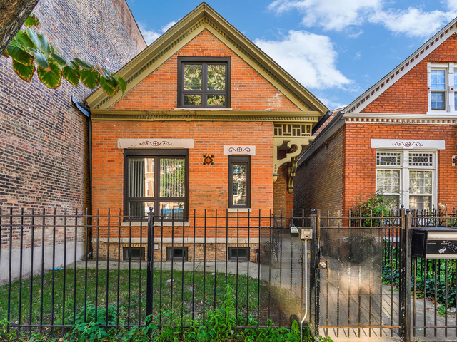5 Bedrooms, Ukrainian Village Rental in Chicago, IL for $5,000 - Photo 1