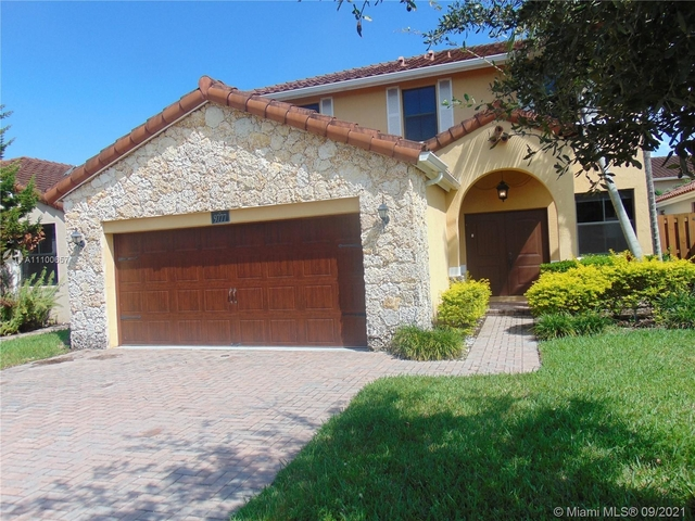 4 Bedrooms, Fontainebleau Park West Rental in Miami, FL for $4,300 - Photo 1