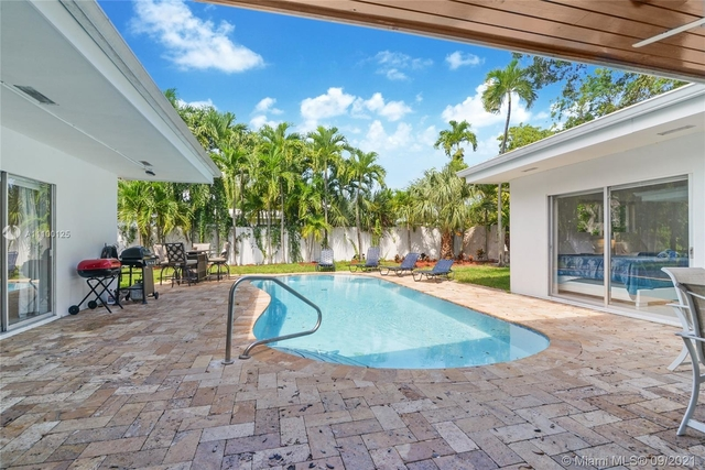 5 Bedrooms, Enchanted Lake Rental in Miami, FL for $7,500 - Photo 1