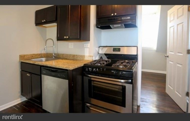 3 Bedrooms, Roscoe Village Rental in Chicago, IL for $1,995 - Photo 1
