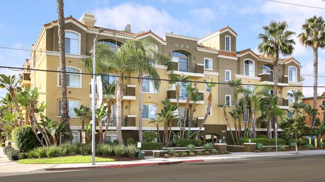 2 Bedrooms, West Los Angeles Rental in Los Angeles, CA for $3,441 - Photo 1