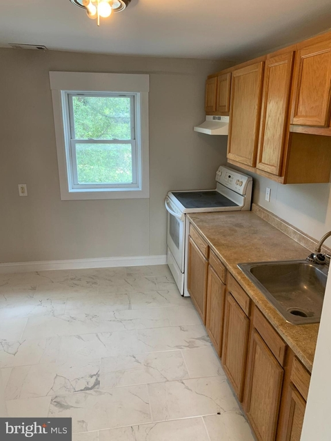 2 Bedrooms, Dundalk Rental in Baltimore, MD for $1,100 - Photo 1