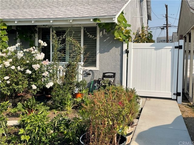 2 Bedrooms, Holly Glen - Del Aire Rental in Los Angeles, CA for $2,200 - Photo 1