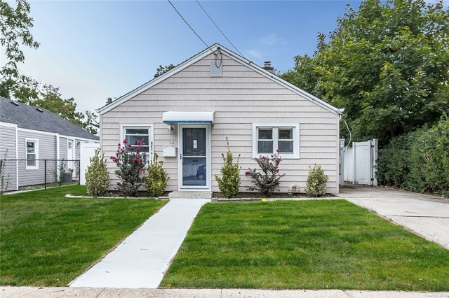 2 Bedrooms, Hempstead Rental in Long Island, NY for $2,700 - Photo 1