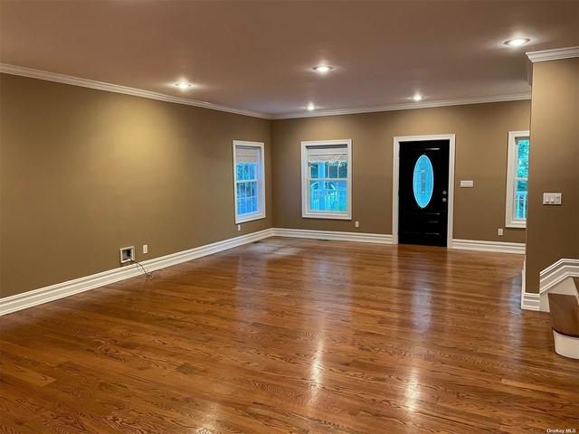 4 Bedrooms, Huntington Rental in Long Island, NY for $5,800 - Photo 1