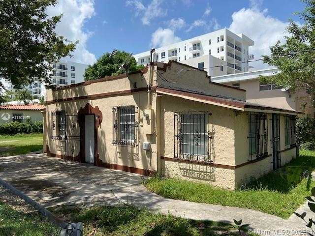 1 Bedroom, Tamiami Heights Rental in Miami, FL for $3,000 - Photo 1