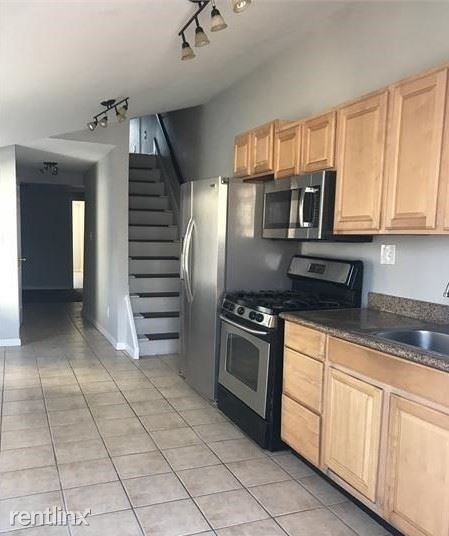 3 Bedrooms, Upper Fells Point Rental in Baltimore, MD for $1,650 - Photo 1