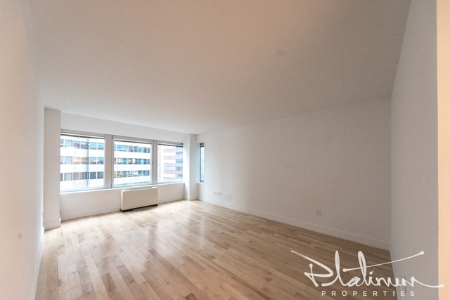 Studio, Financial District Rental in NYC for $5,500 - Photo 1