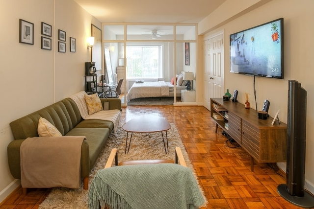 2 Bedrooms, Alphabet City Rental in NYC for $4,200 - Photo 1