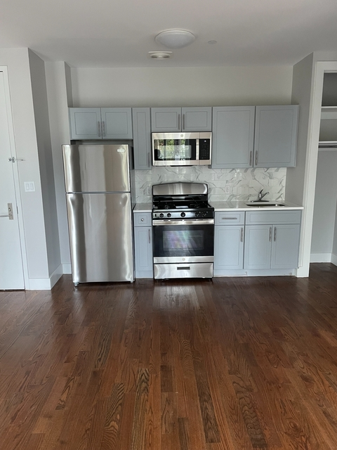 2 Bedrooms, East New York Rental in NYC for $2,300 - Photo 1