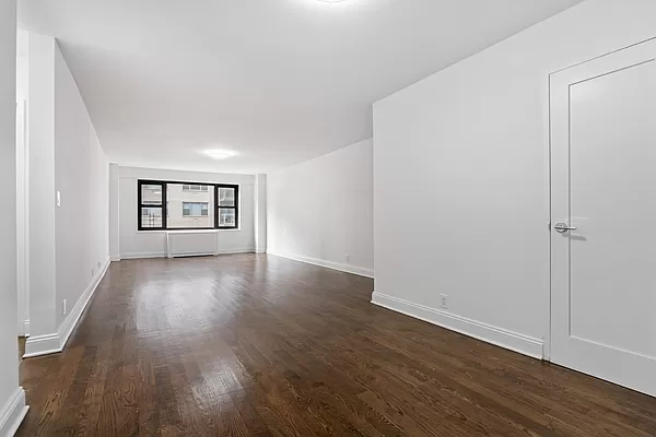 2 Bedrooms, Sutton Place Rental in NYC for $3,950 - Photo 1