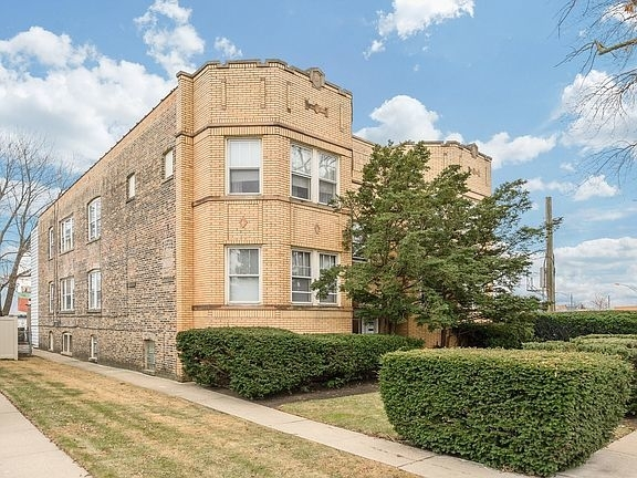 2 Bedrooms, Irving Park Rental in Chicago, IL for $1,700 - Photo 1