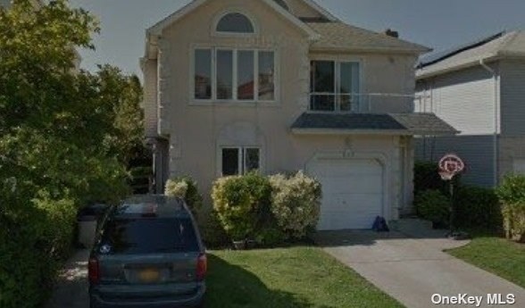 3 Bedrooms, East End South Rental in Long Island, NY for $3,750 - Photo 1