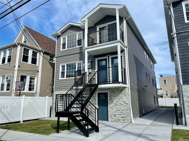 3 Bedrooms, Arverne Rental in NYC for $3,600 - Photo 1