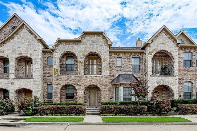 3 Bedrooms, Lakeridge Townhomes Rental in Dallas for $2,500 - Photo 1
