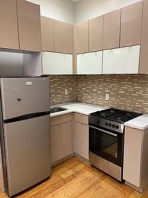 5 Bedrooms, Ridgewood Rental in NYC for $3,995 - Photo 1