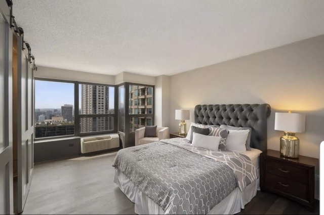 2 Bedrooms, Near North Side Rental in Chicago, IL for $2,600 - Photo 1