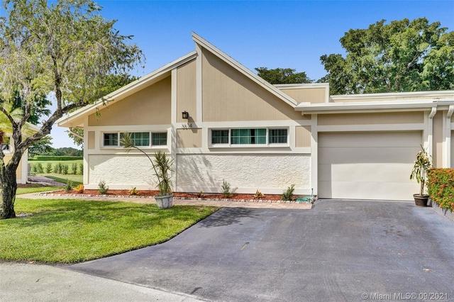 3 Bedrooms, Isla Merita Homes Rental in Miami, FL for $2,700 - Photo 1