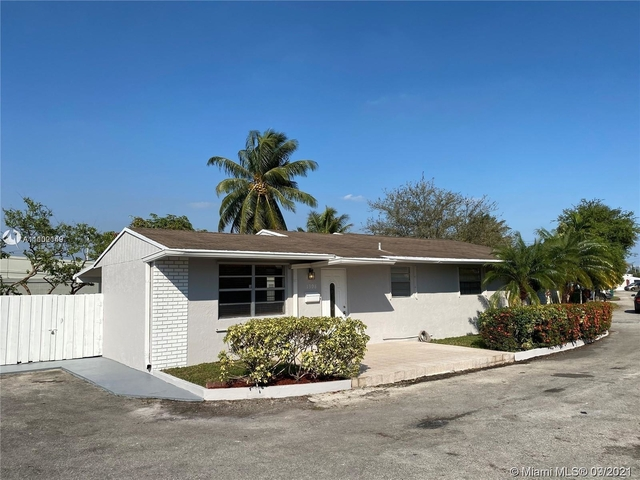 3 Bedrooms, Comfort Manor Rental in Miami, FL for $2,800 - Photo 1