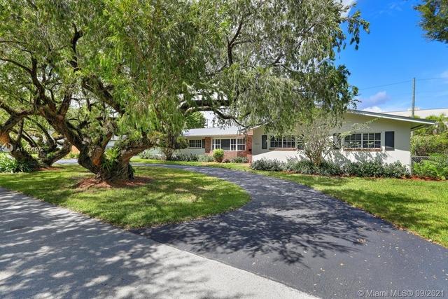 4 Bedrooms, Snapper Creek Village Rental in Miami, FL for $8,500 - Photo 1